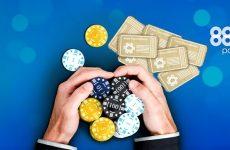 Как получить бонусы и играть в 888 Покер на реальные деньги?